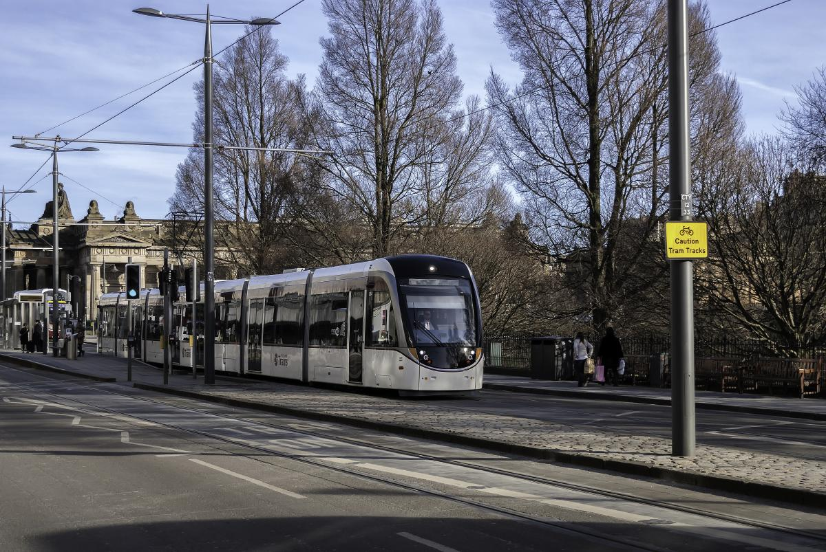 Click image for larger version  Name:Edinburghs troublesome trams 15-2-16.jpg Views:1 Size:235.4 KB ID:2522